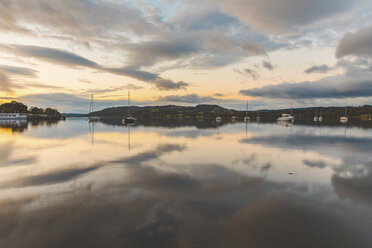 United Kingdom, England, Cumbria, Lake District, Windermere lake, view at sunrise from Ambleside - WPEF00550