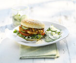 Chickenburger with cucumber salad and yogurt sauce - KSWF01965