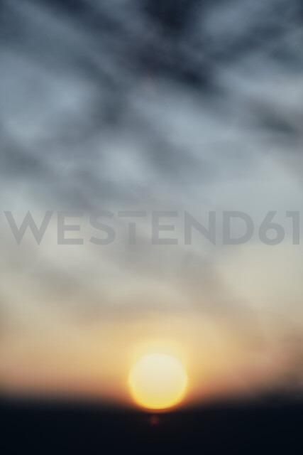 Bulgaria, blurred sunset - BZF00415