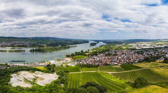 Germany, Rhineland-Palatinate, Bingen region, Rochus Mountain, Aerial view of Kempen am Rhein and Ruedesheim am Rhein - AMF05800