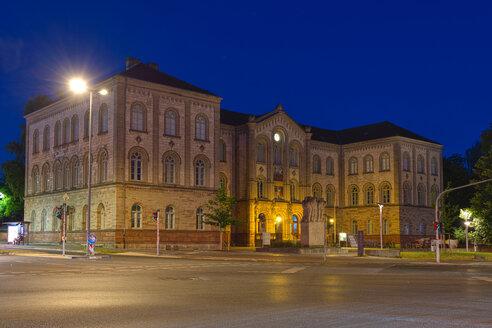 Germany, Lower Saxony, Goettingen, university at blue hour - KLR00624
