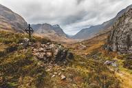 UK, Scotland, Ralston Cairn point near Glencoe with view of the valley and of the Three Sisters - WPEF00685