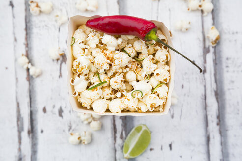 Box of popcorn flavoured with chili and lime - LVF07317