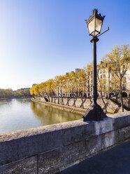 France, Paris, Street light on Pont Marie - WDF04724