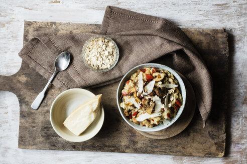 Bowl of porridge with bell pepper, champignon and parmesan - EVGF03373