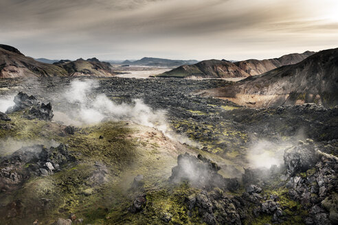 Iceland, South West, Landmannalaugar, Landscape highland - DMOF00056
