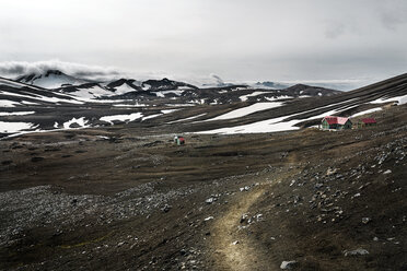 Iceland, South West, Landmannalaugar, Highland, Hrafntinnusker hut - DMOF00059