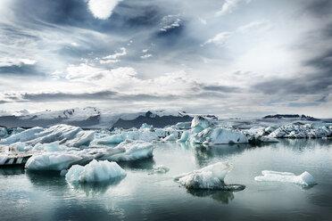 Iceland, South of Iceland, Joekulsarlon glacier lake, icebergs - DMOF00074
