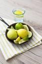 Fresh lemon in pan - GIOF03988