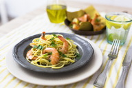 Shrimps with spaghetti on tin plate - GIOF04000