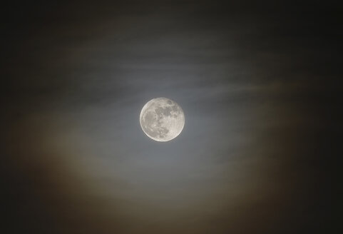 Full moon with a halo around - THGF00050