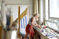Female painter in her atelier - BFRF01887
