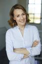 Portrait of smiling businesswoman - PNEF00793