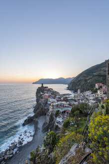 Italy, Liguria, La Spezia, Cinque Terre National Park, Vernazza in the evening light - RPSF00225