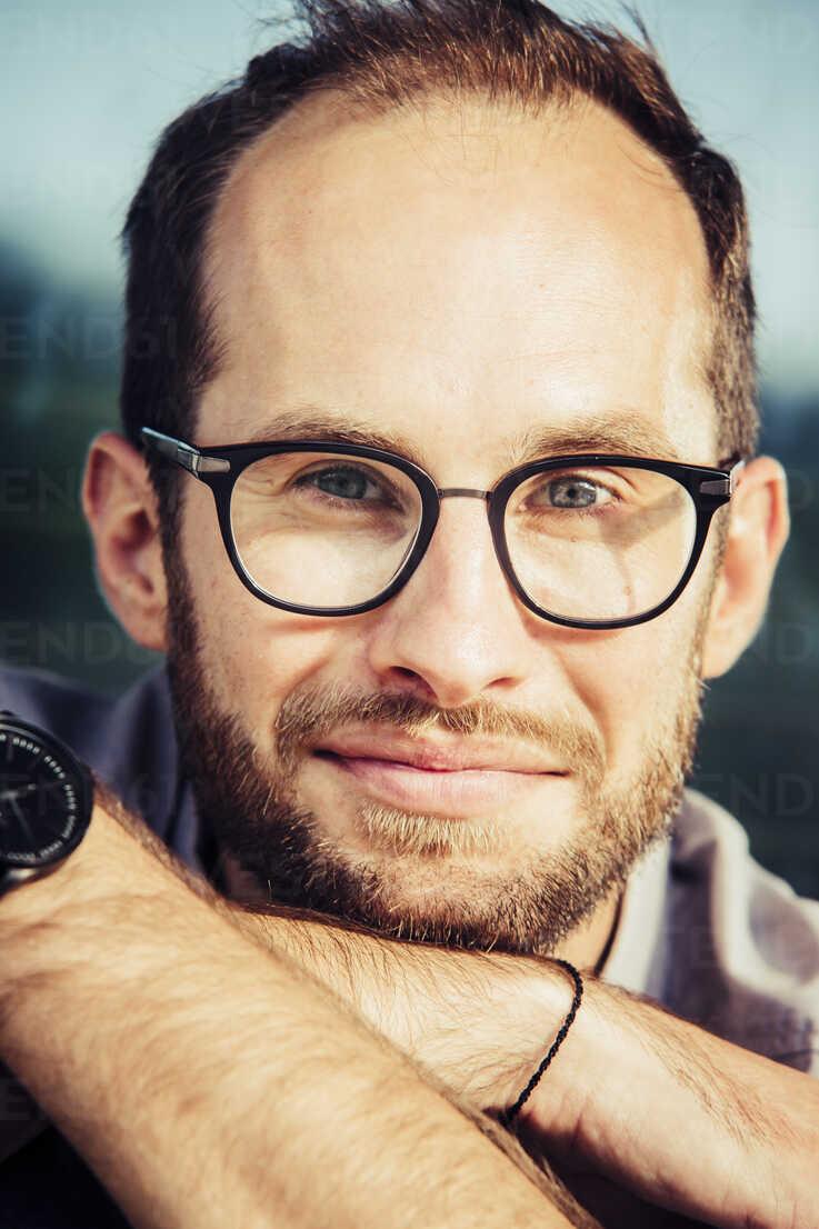 Portrait of bearded man wearing glasses - NGF00474 - Nadine Ginzel/Westend61