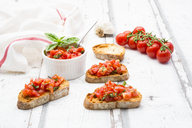 Bruschetta with tomato, basil, garlic and white breah - LVF07381
