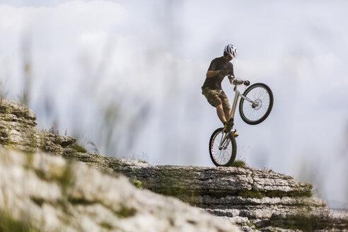 Acrobatic biker on trial bike - GIOF04107