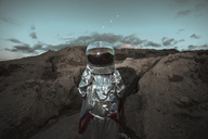 Spaceman exploring nameless planet - VPIF00504
