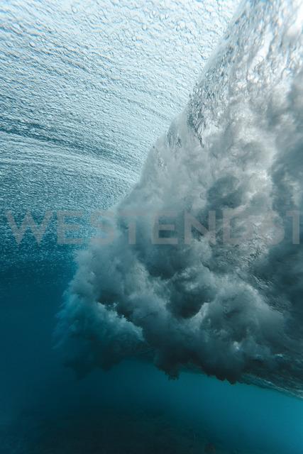 Maledives, Ocean, underwater shot, wave - KNTF01213