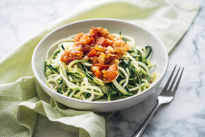 Fresh Zoodles with tomato sauce - IPF00473