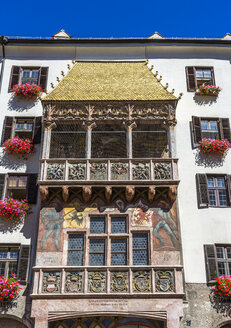 Austria, Tyrol, Innsbruck, Old town, Goldenes Dachl, Golden Roof with alcove balcony - MAB00496