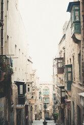 Malta, Valletta, Narrow lane with oriels - ACPF00223