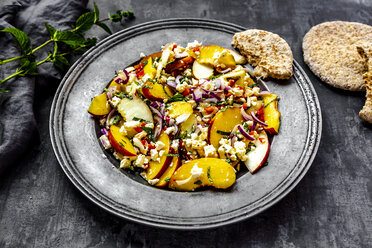 Salad with peaches, feta and mint served with pita bread - SARF03905
