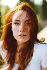 Portrait of young redheaded woman - GIOF04216