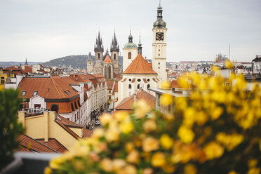 Czechia, Prague, view to  Basilica of St. James and Teyn Church in the background - GEMF02313