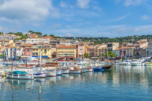 France, Provence-Alpes-Cote d'Azur, Bouches-du-Rhone, Cassis, Harbour - FRF00710