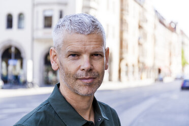 Portrait of a confident mature man in the city - TCF05698