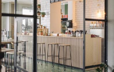 Bar in a restaurant, interior shot - GUSF01227
