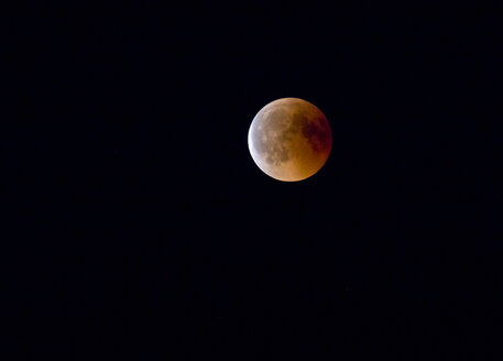 Germany, Rosenheim, lunar eclipse - ZCF00649