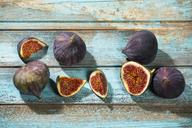 Figs on blue wood - MAEF12730