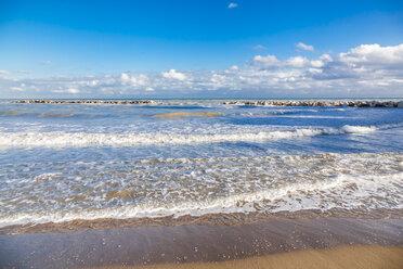Italy, Molise, Termoli, Adriatic Sea, beach - FLMF00018