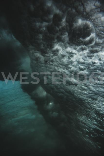 Indonesia, Bali, underwater, wave - KNTF01372