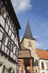 Germany, Rhineland-Palatinate, Freinsheim, Church and townhall, half-timbered house - GWF05659