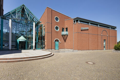 Germany, Duisburg, view to municipal museum - WI03596