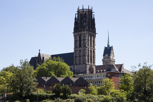 Germany, Duisburg, view to Salvator Church and town hall tower - WIF03602