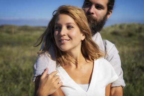 Portrait of a happy couple, spending time in nature - HHLMF00395