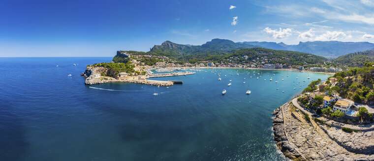 Spain, Balearic Islands, Mallorca, Serra de Tramuntana, Port de Soller, panoramic view - AMF05946