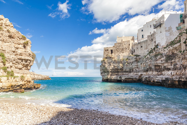 Italy, Puglia, Polognano a Mare, view from bay to horizon - FLMF00037