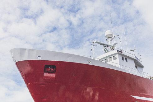 Iceland, Reykjavik, Ship in harbour - MMAF00560