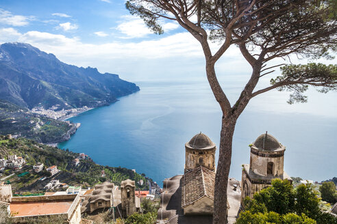 Italy, Campania, Amalfi Coast, Ravello, view of Amalfi Coast with Santa Maria delle Grazie church facing Mediterranean sea - FLMF00057