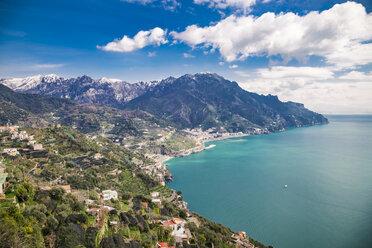 Italy, Campania, Amalfi Coast, Ravello, view of  the Amalfi Coast and Mediterranean sea - FLMF00060