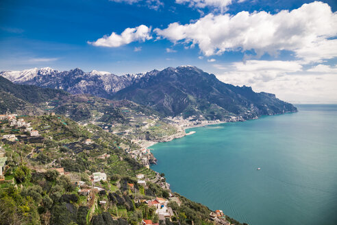Italy, Campania, Amalfi Coast, Ravello, view of  the Amalfi Coast and Mediterranean sea - FLMF00060