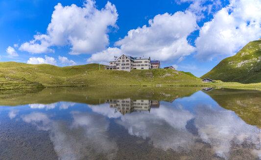 Germany, Bavaria, Allgaeu, Allgaeu Alps, Lake Small Rappensee, Rappensee Hut - WGF01258