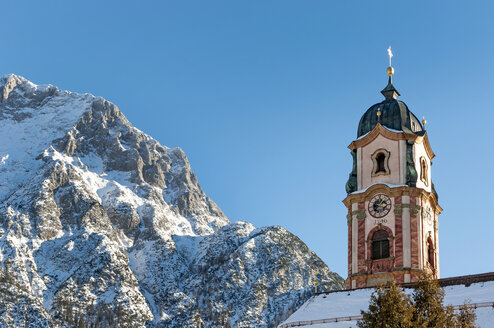 Germany, Bavarian Alps, Bavaria, Upper Bavaria, Werdenfelser Land, Karwendel Mountains, Mittenwald, Church of Saint Peter and Paul - LHF00590