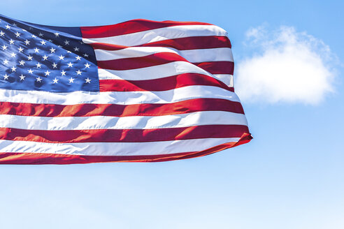 USA, Seattle, US-american flag - MMAF00561