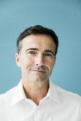 Portrait of confident mature businessman - MOEF01469